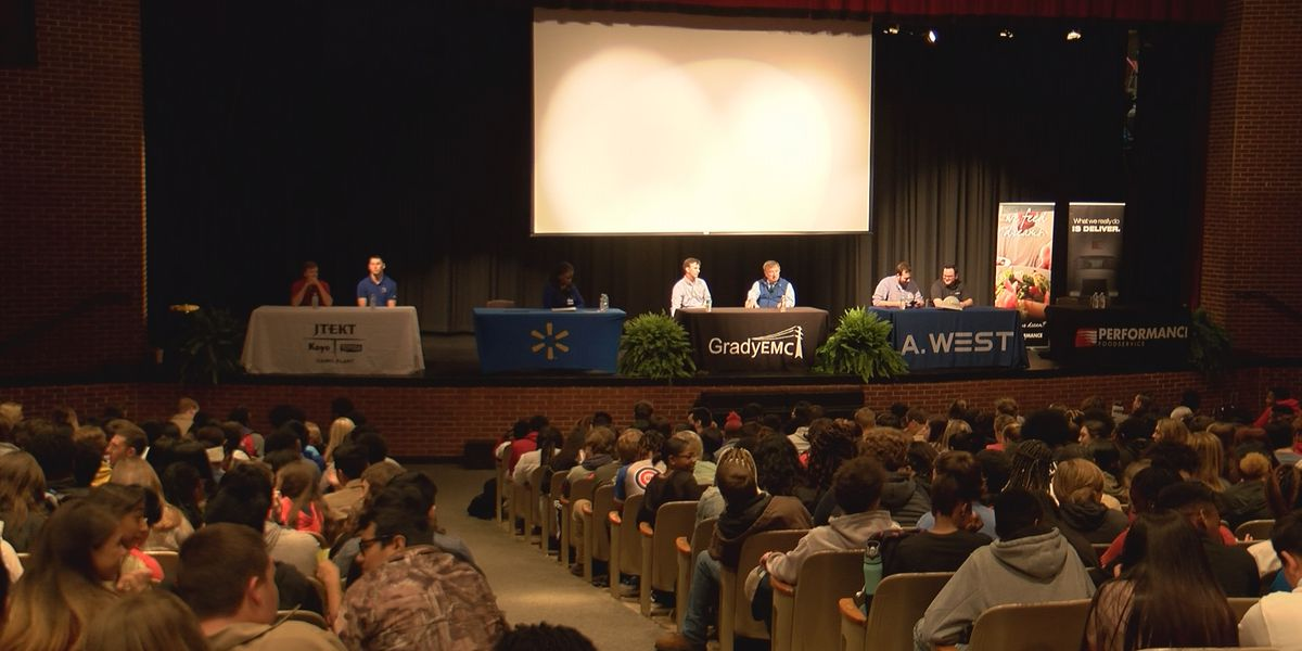 Cairo students attend business panel during College and Career Week