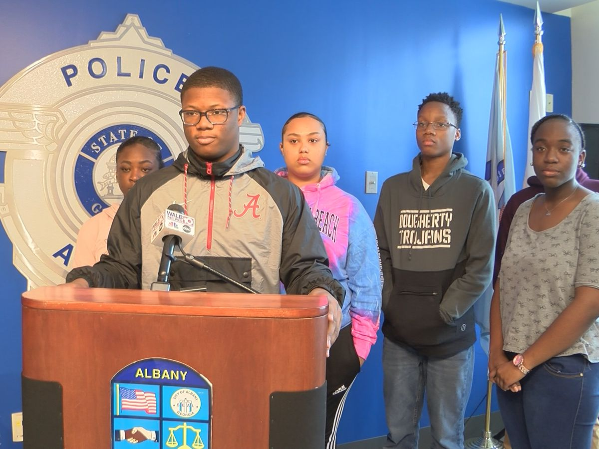 Albany Police Dept. graduates first class from Middle School Teen Police Academy