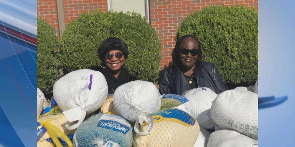 New Season Church gives away free turkeys!