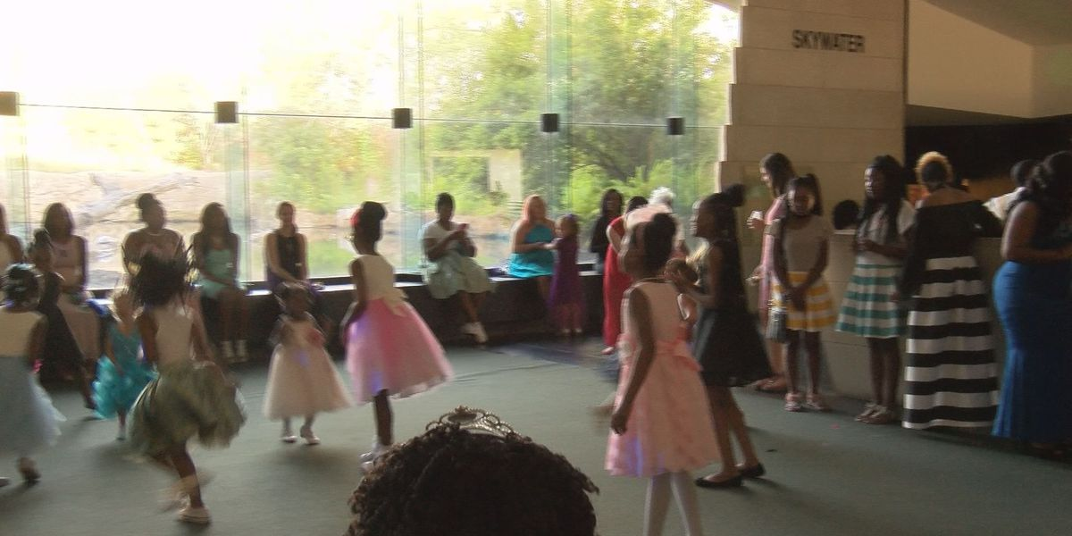 Girls dance the night away with their moms for Mother's Day