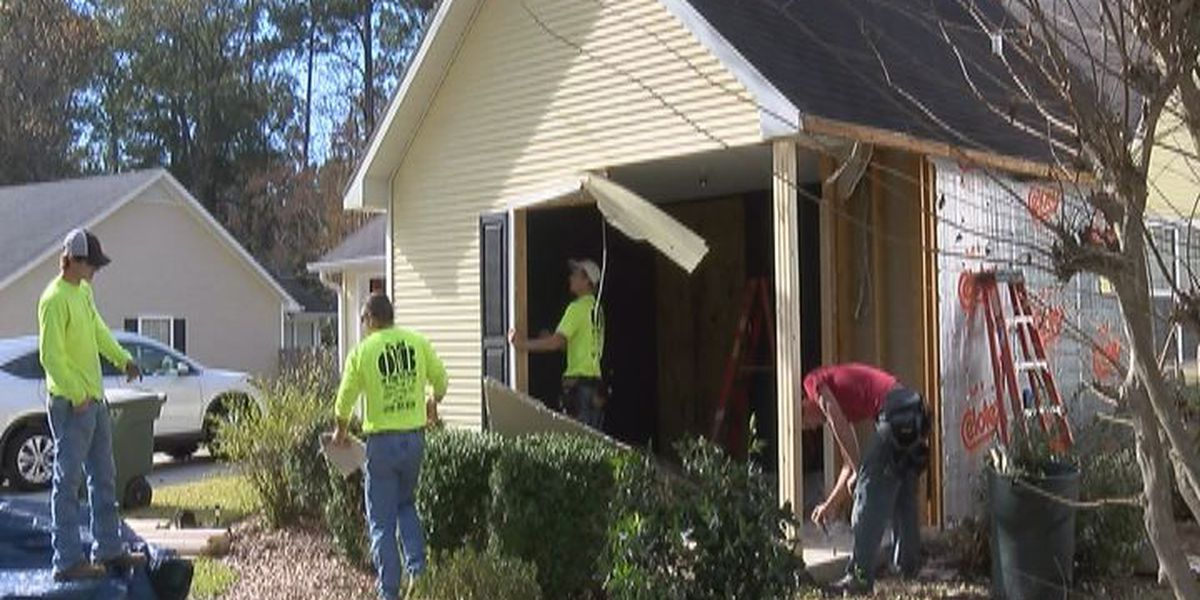 Two Valdosta homes heavily damaged by suspected drunk driver