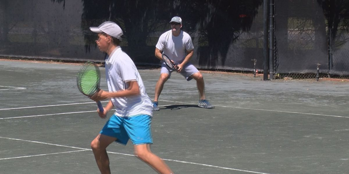 Tennis match serves up support for Meals-on-Wheels