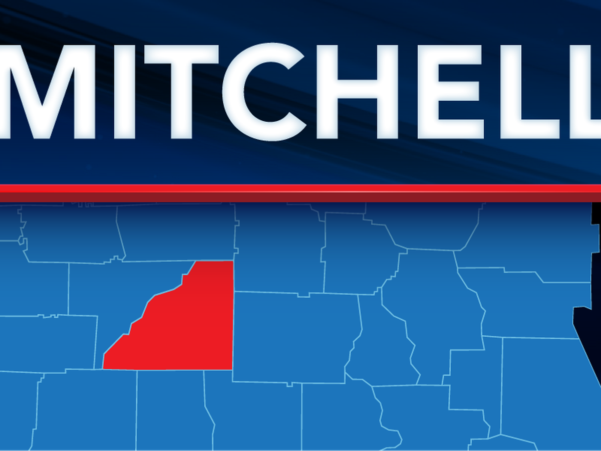 Mitchell Co. deputies save man's life while responding to call