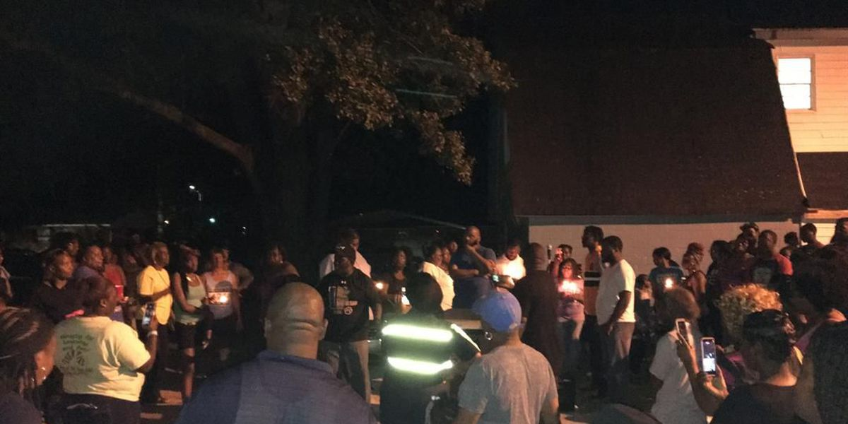 Candlelight vigil held in Cordele for murdered men