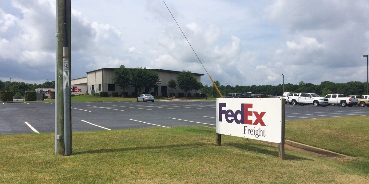 Police: FedEx driver Tazed in robbery attempt