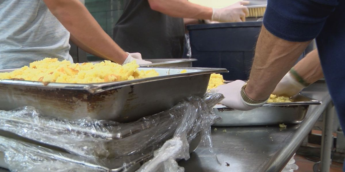 Project Backyard hosts annual Thanksgiving dinner