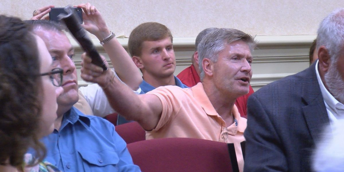 Unexpected vote during Thomasville council meeting leaves some upset