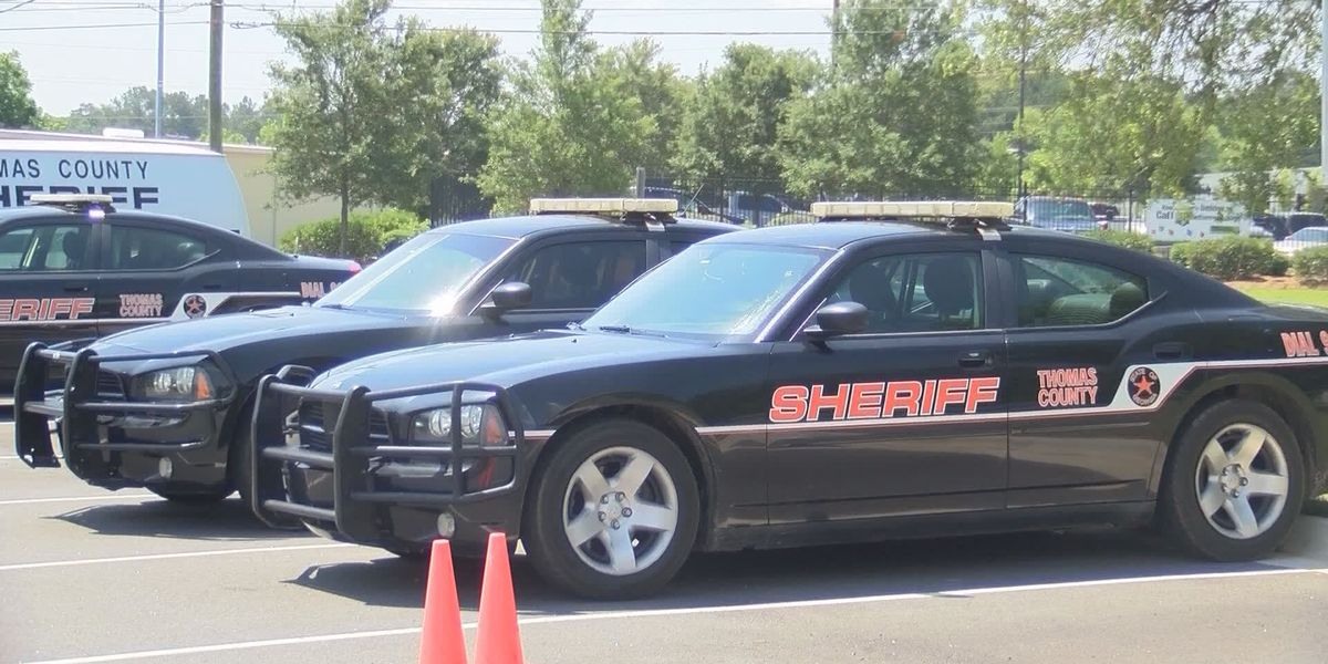 Two teenagers lead Thomas Co. authorities on chase