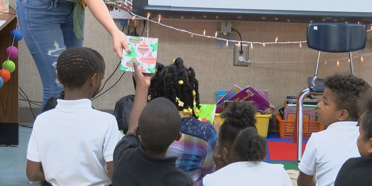 Valdosta schools give out thousands of books