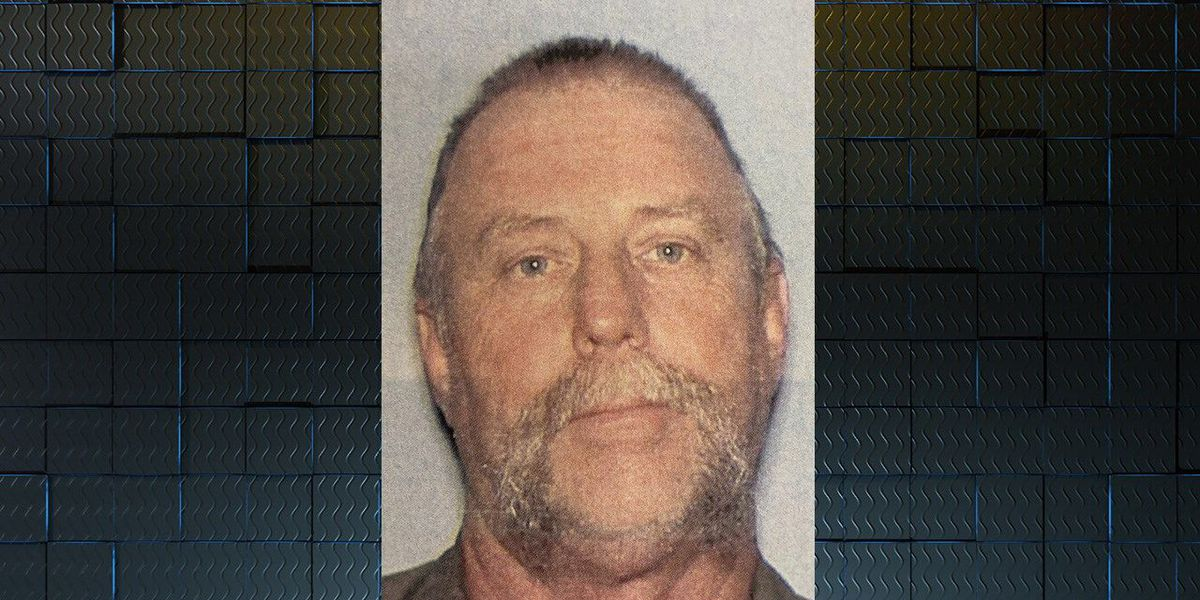 Lee Co. officials search for sex offender