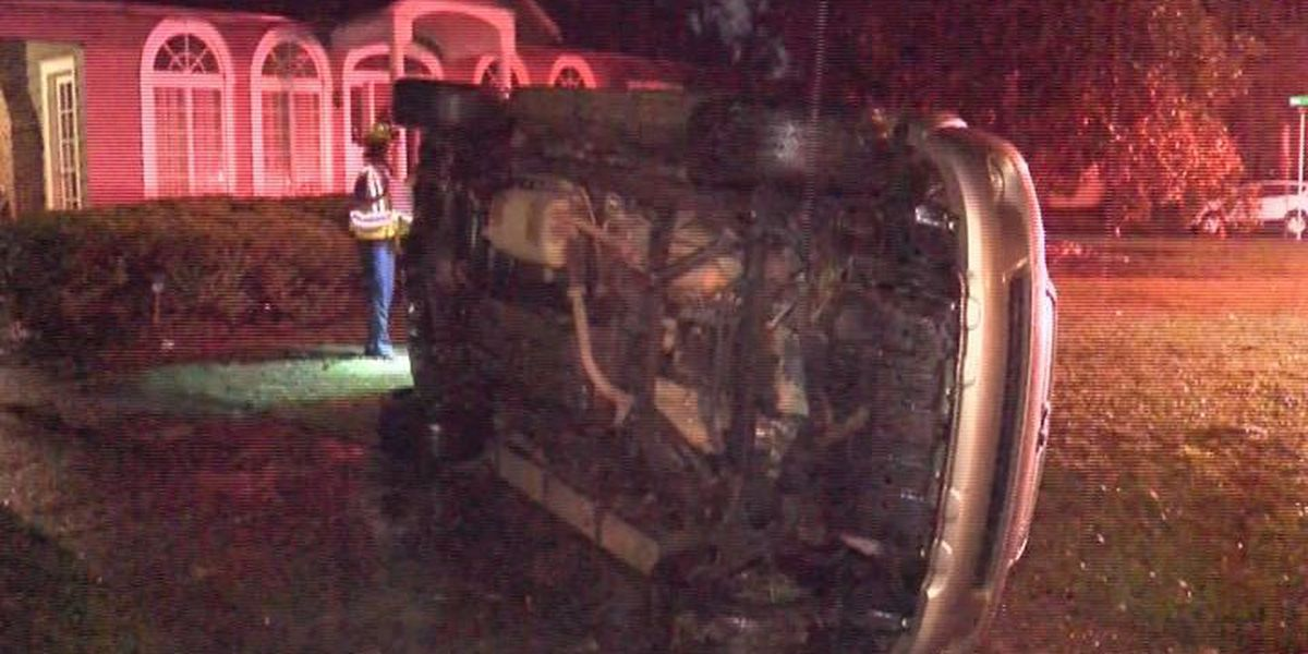 Driver flees after N. Madison wreck