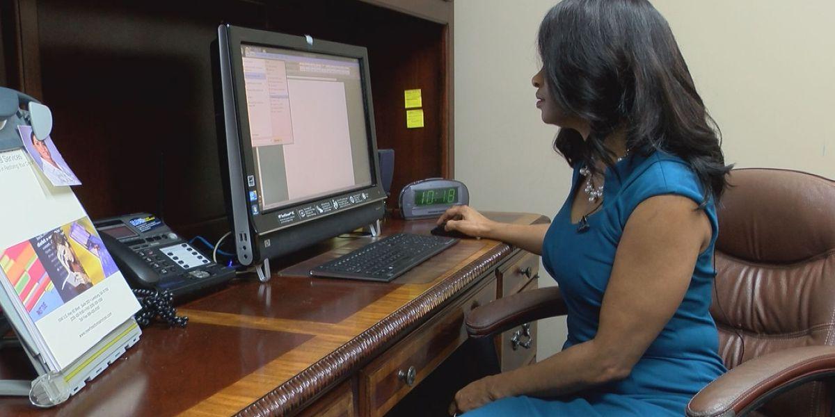 Financial adviser talks safe spending during the holidays