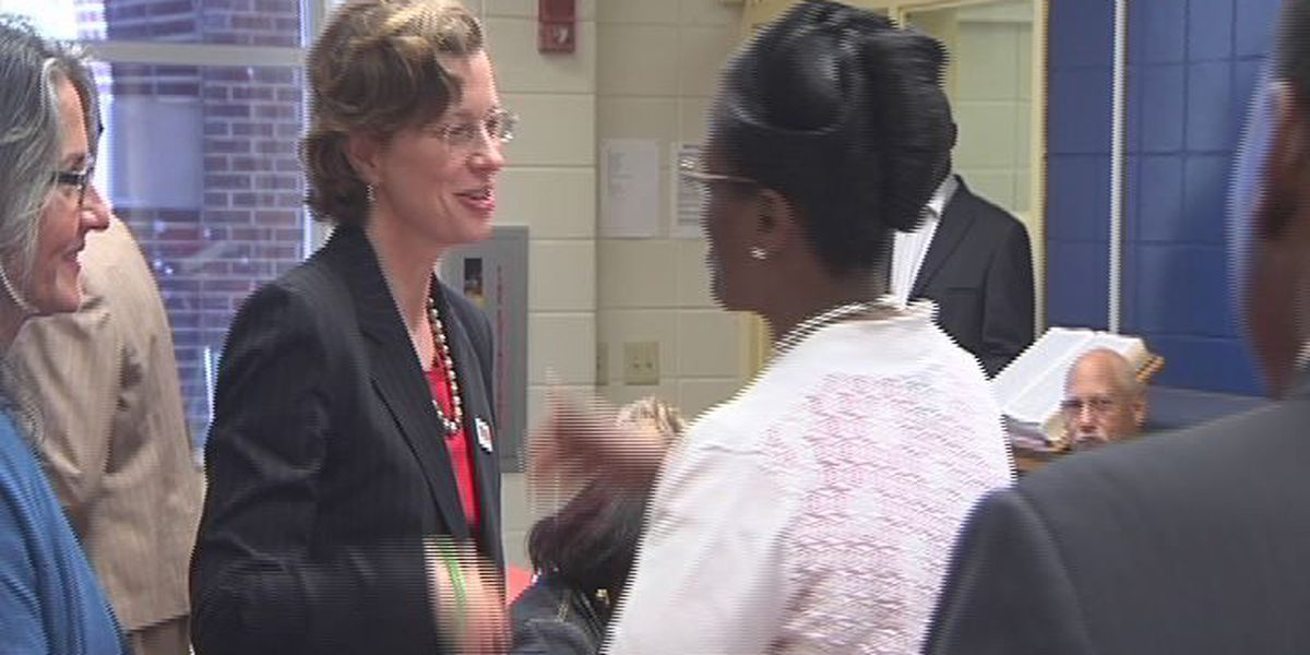 Candidate Nunn reads to Dougherty County students