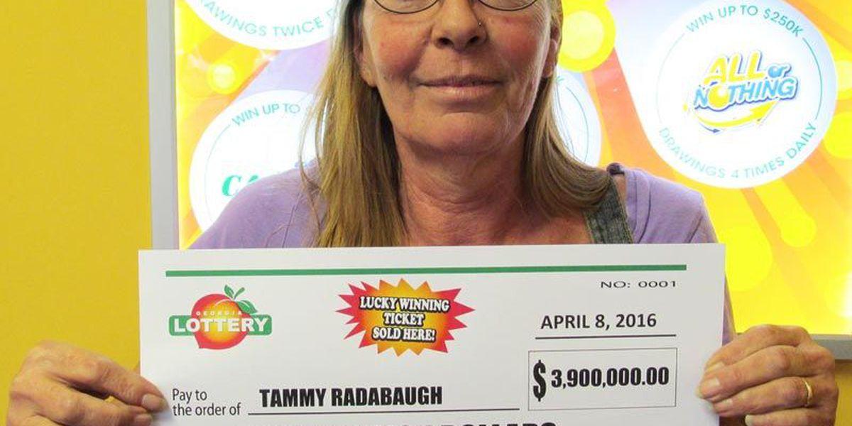 Lakeland woman wins $3.9Min Jumbo Bucks
