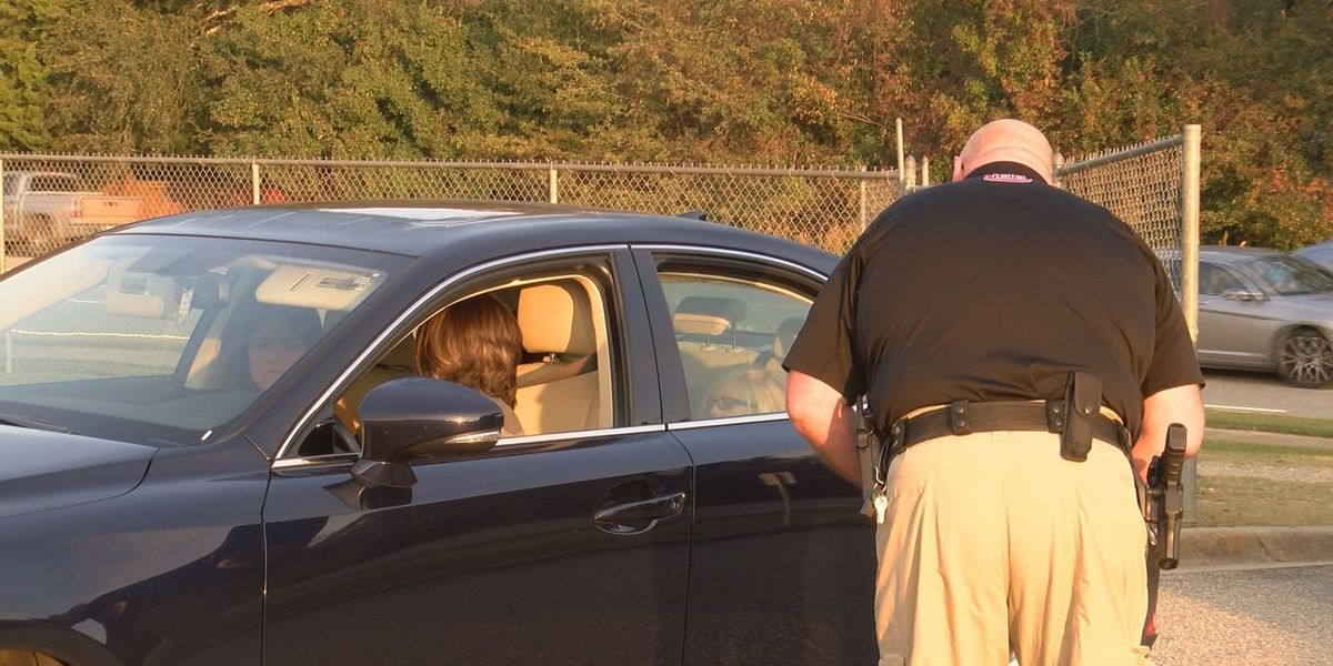Officials hold surprise seat belt check at Lee Co. High School
