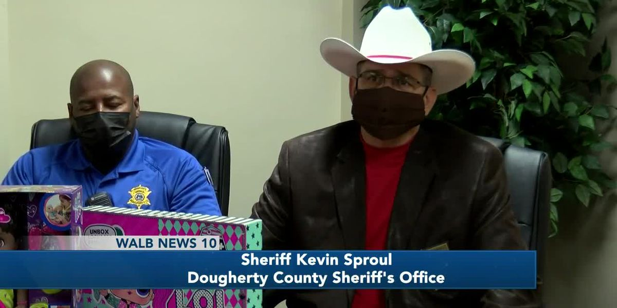 Dougherty Co. Sheriff's Office 'Shop with a Sheriff' continues despite pandemic