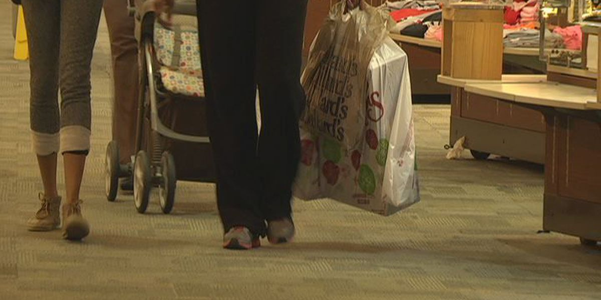 How to stay safe while shopping this holiday season