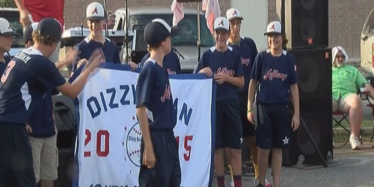 Dizzy Dean All-stars honored at Harvest Moon