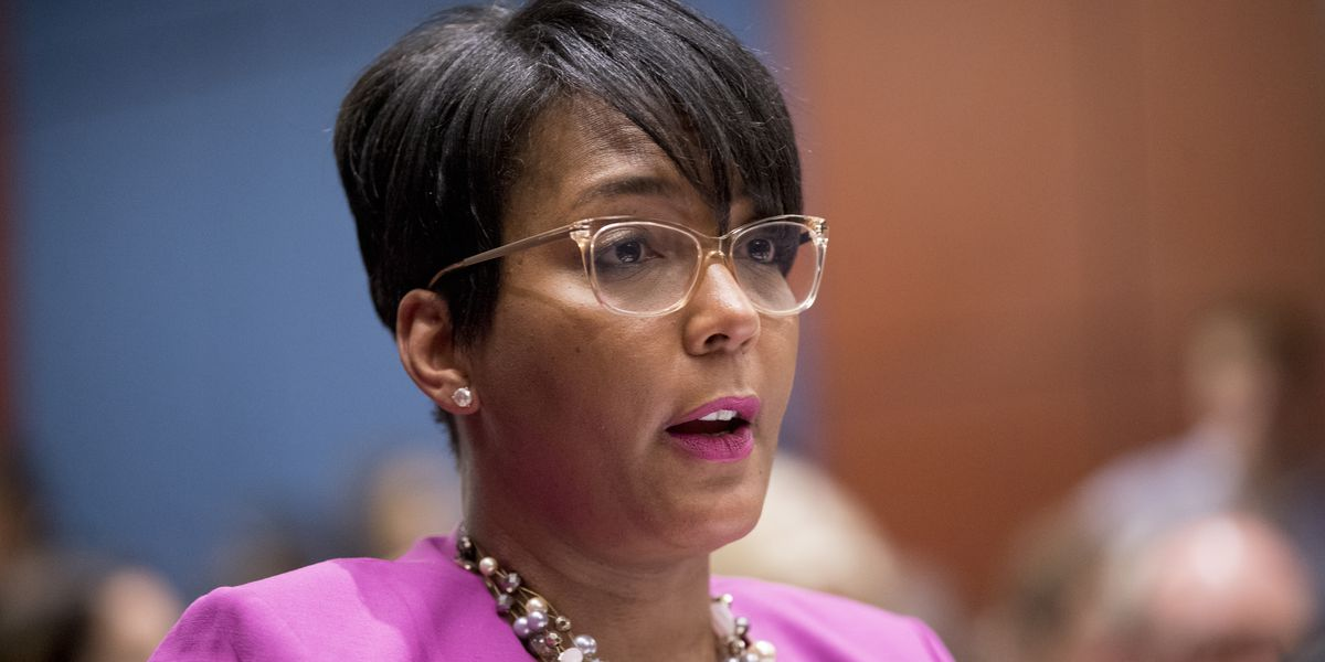 Atlanta mayor reportedly set to mandate face masks