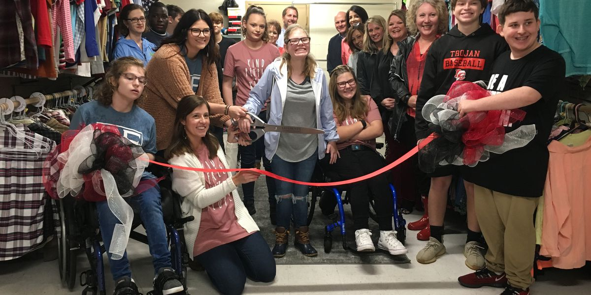 Lee Co. students cut ribbon on closet for classmates in need
