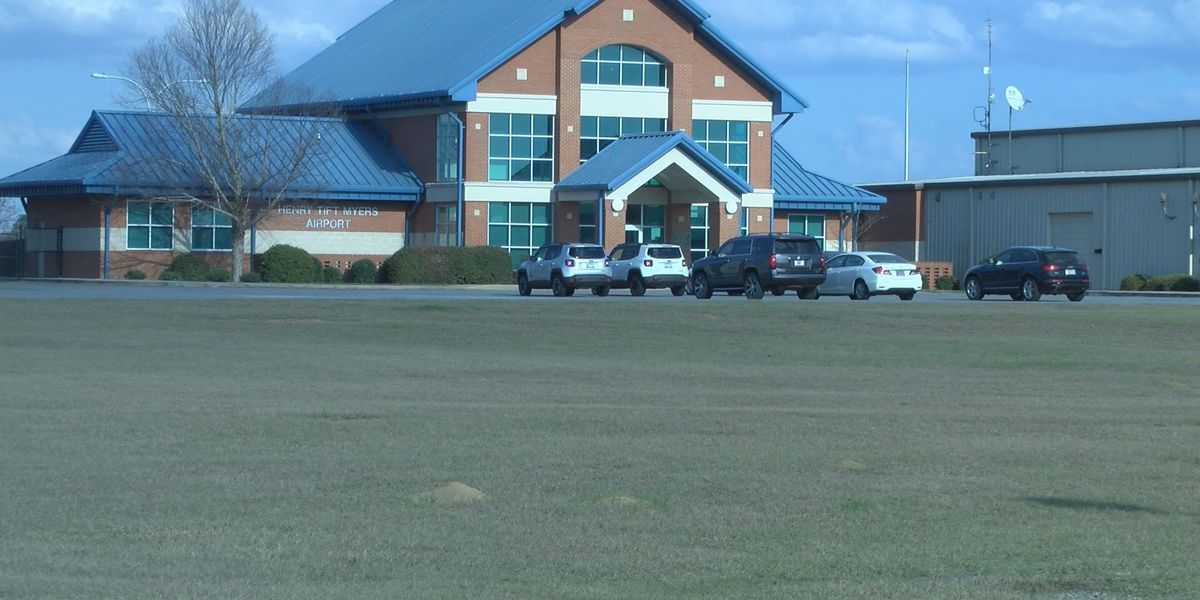 Tifton City Council votes to defund airport