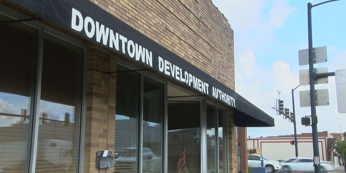Tifton agency members talk city redevelopment projects