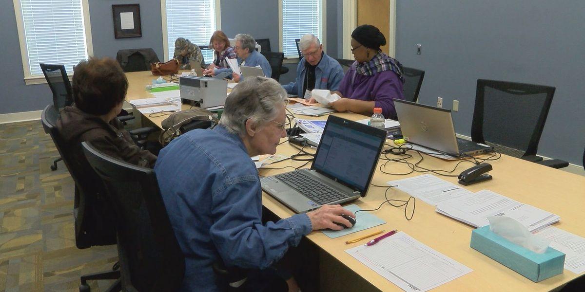 AARP volunteers offer free tax assistance