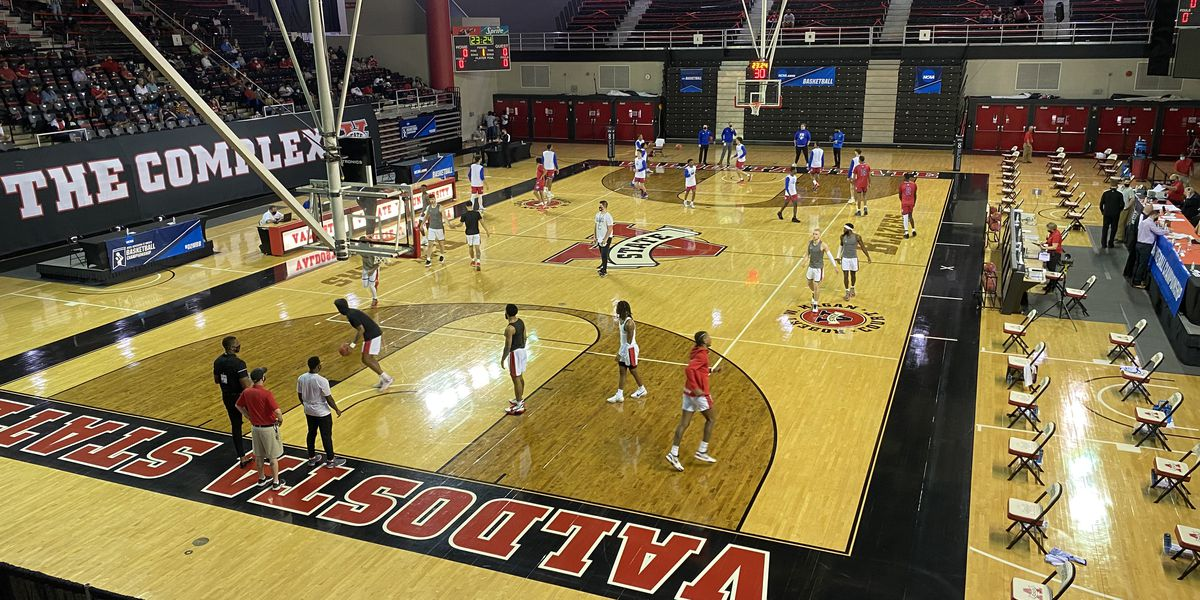 Valdosta State men's basketball fall in round one of the South Region Tournament