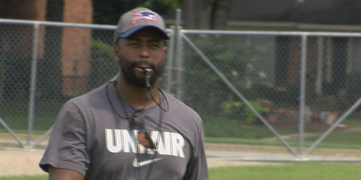Patriots preparing for 2018 with new coach, renewed spirit