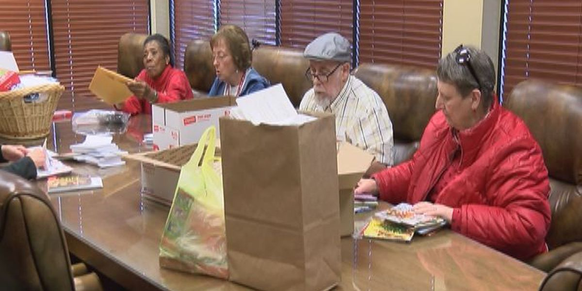 Red Cross volunteers help bring holiday cheer to U.S. troops