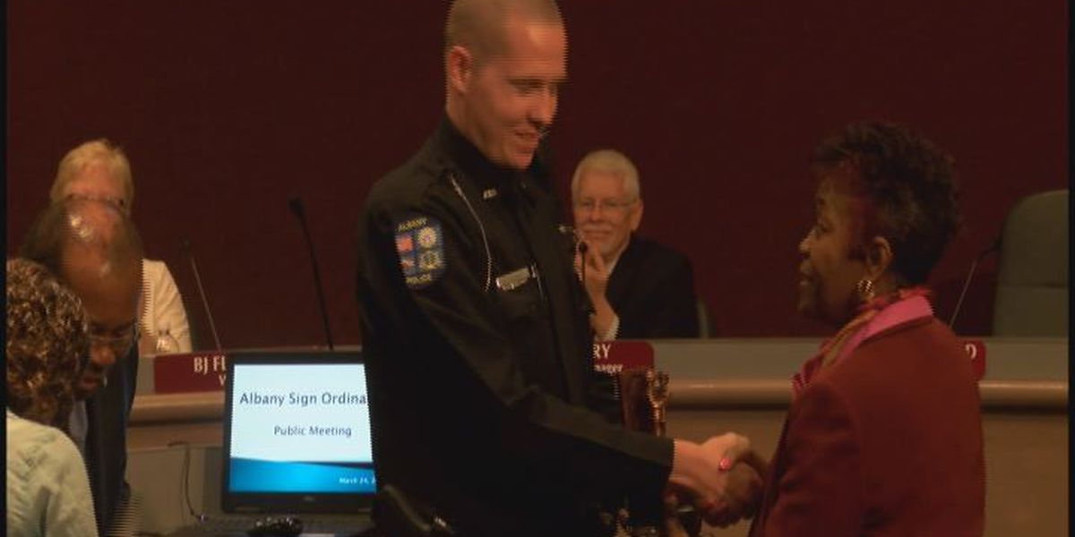 APD officer recognized for heroic action
