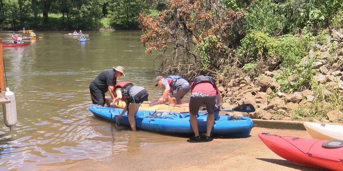 Environmental leaders tour Flint River