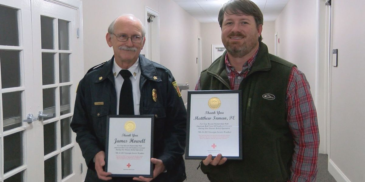 Red Cross honors Lee County officials