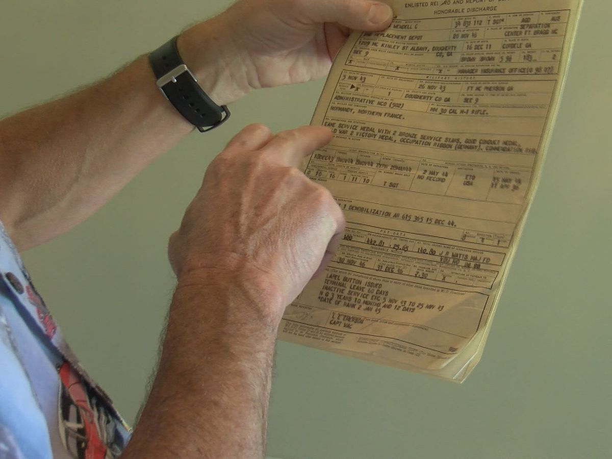 GA man returns a veteran's lost World War II service papers to family