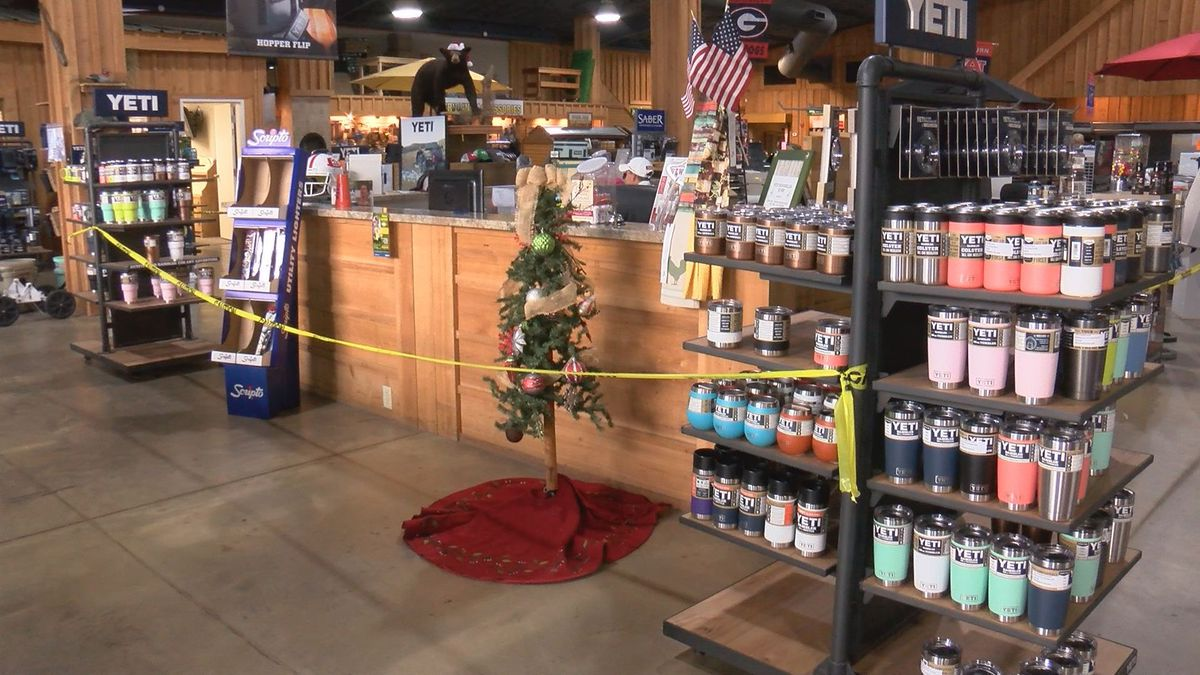 Stores battle supply and demand this Christmas shopping season