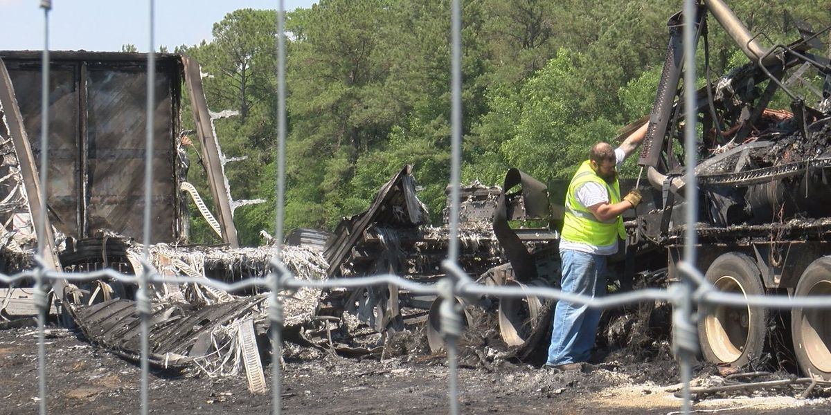 Driver escapes semi fire in Lowndes Co.