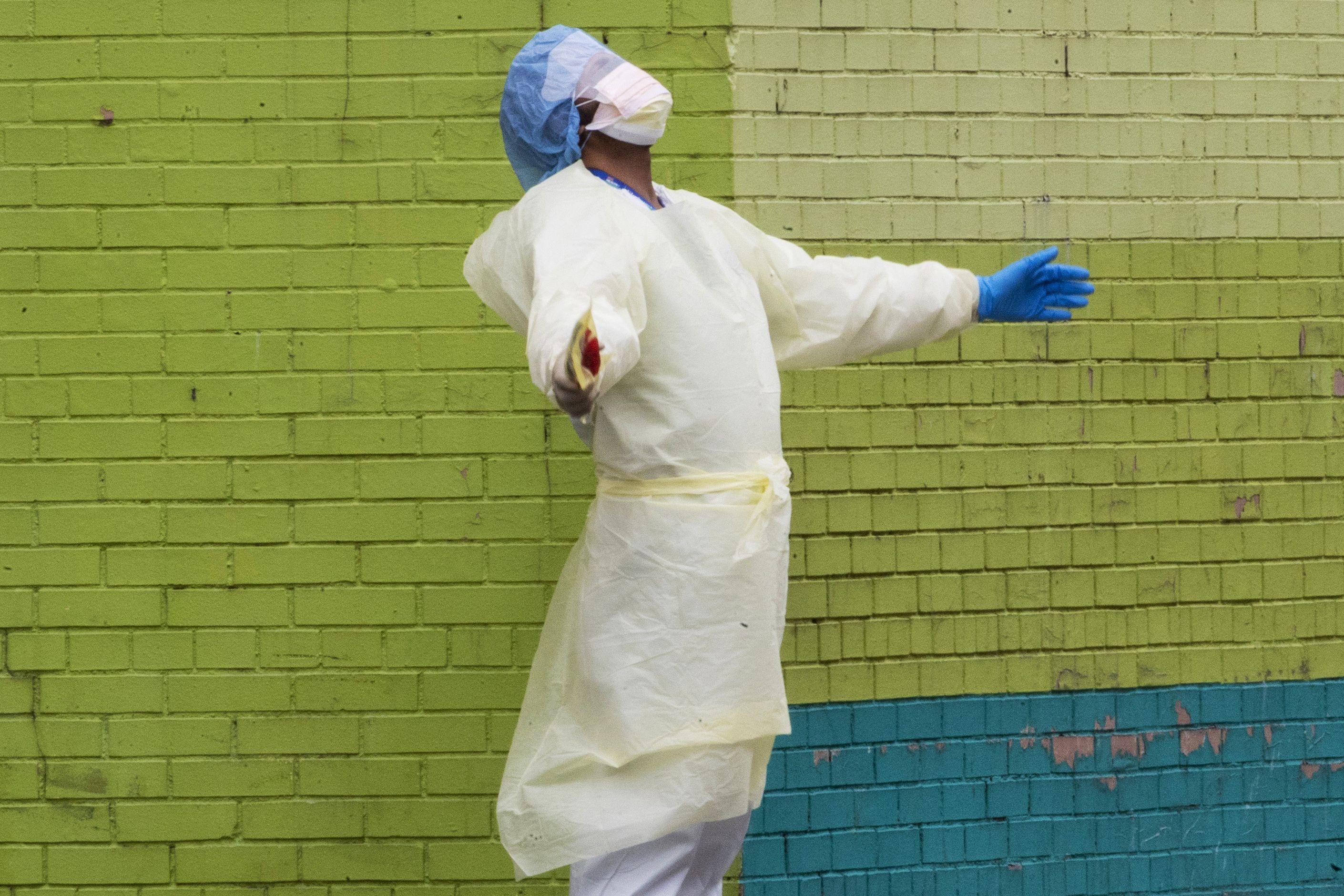 US braces for more coronavirus deaths; Europe hopes crisis peaking