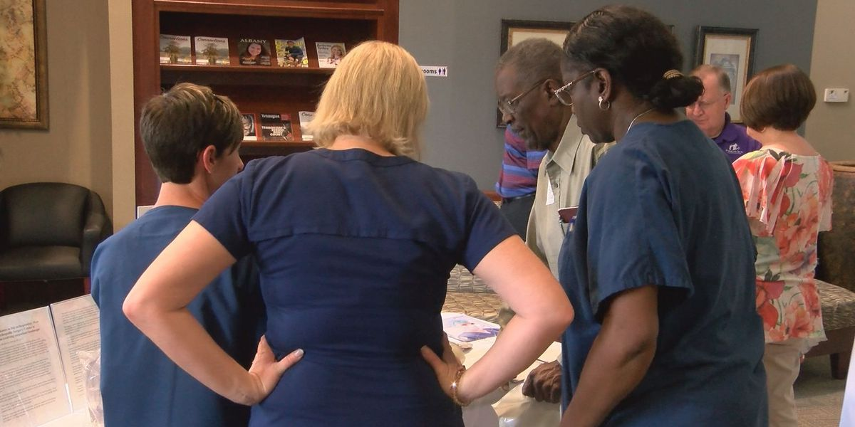 Surgeons speak to public about joint replacement