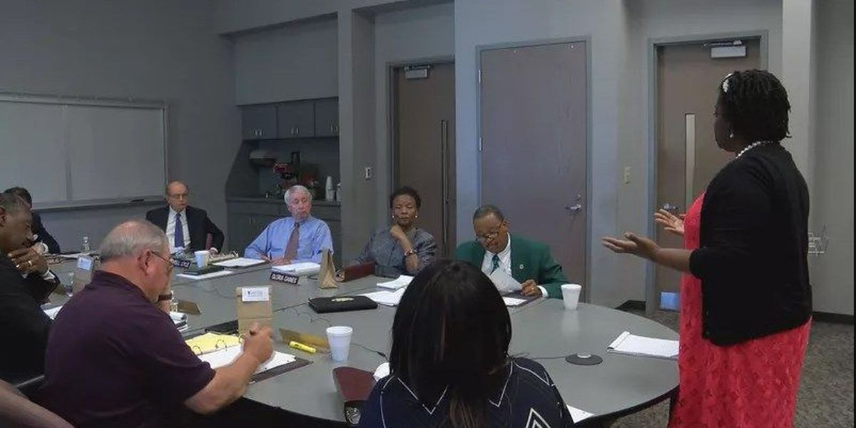 Commissioners learn of re-advertisement of county administrator position