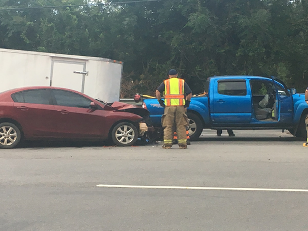Wreck disrupts traffic on Philema Road
