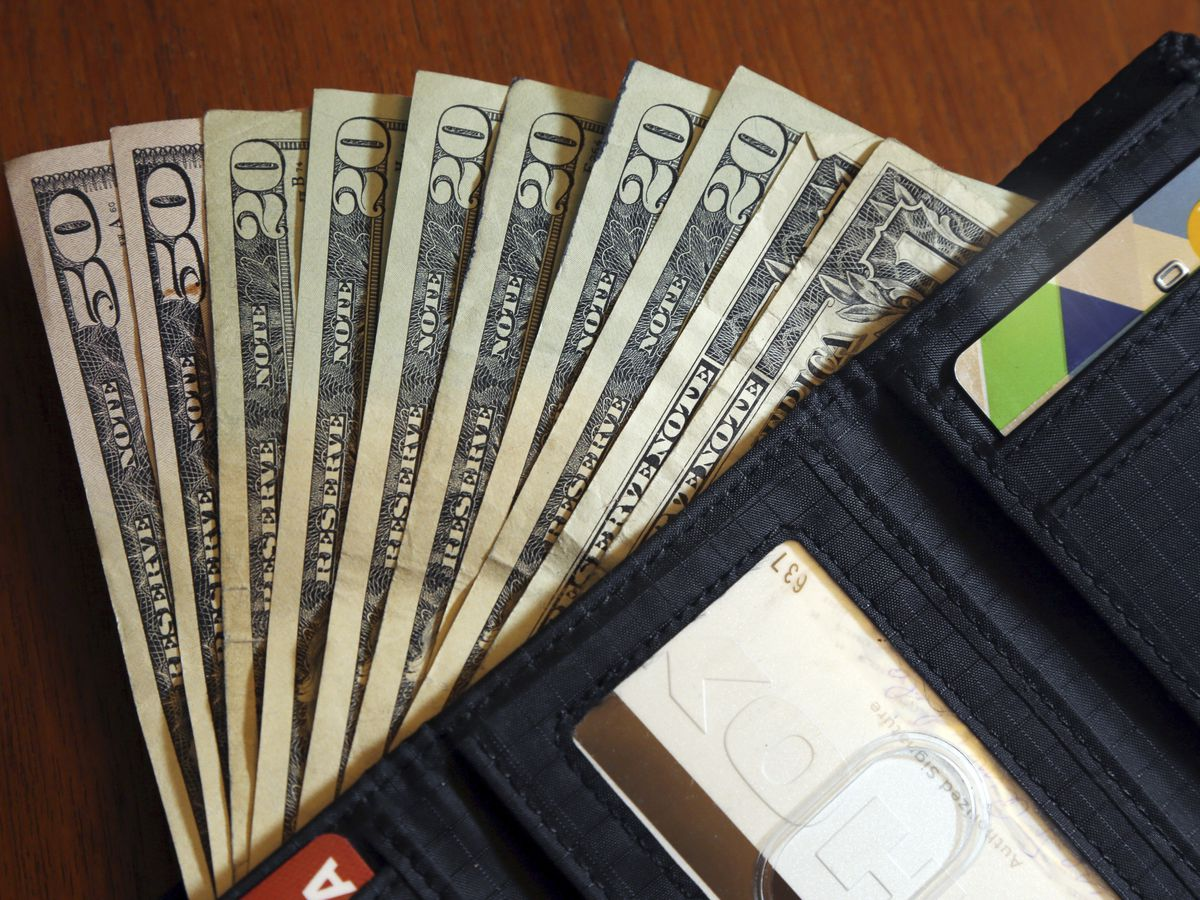 Lost wallet? More cash means you're likelier to get it back