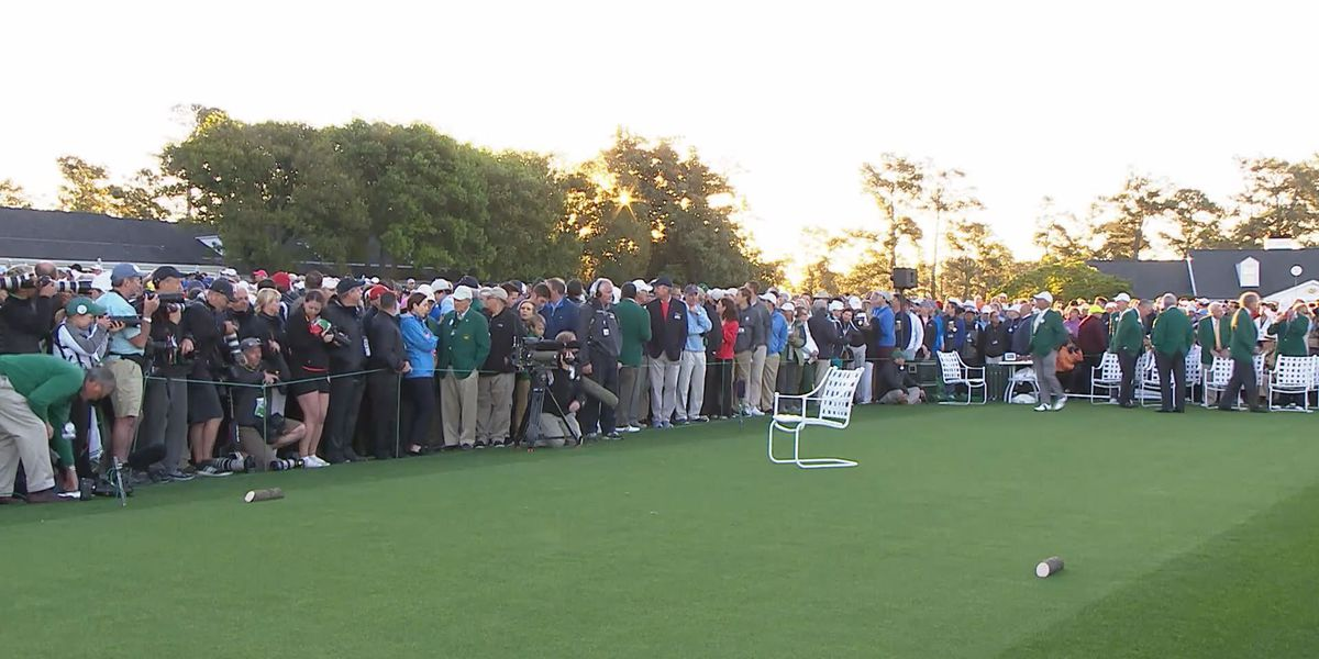 Masters patrons honor Arnold Palmer