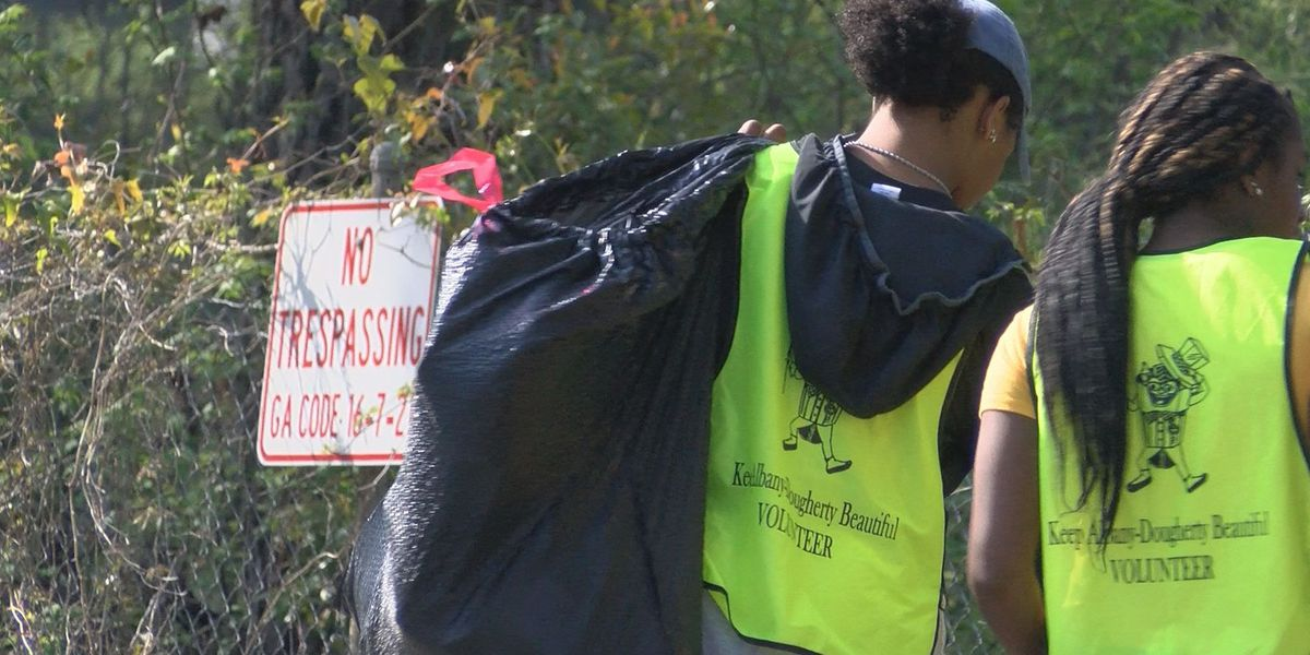 ASU cleans the streets with Keep Albany-Dougherty beautiful