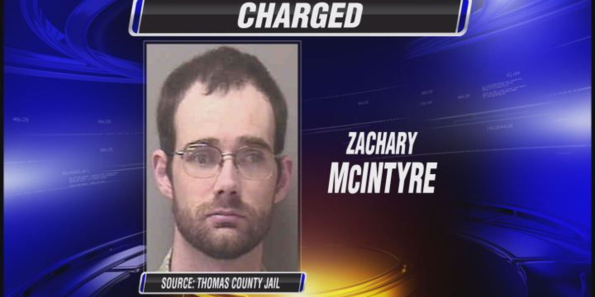 Man admits to setting mobile home on fire
