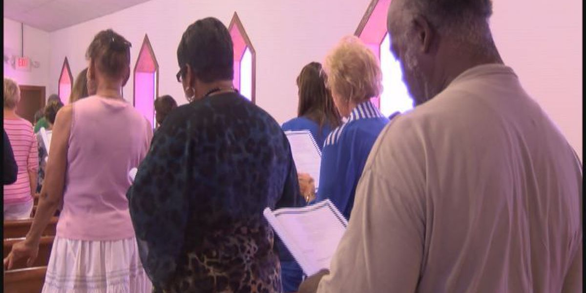 Tifton church holds memorial and prayer service for the Charleston victims