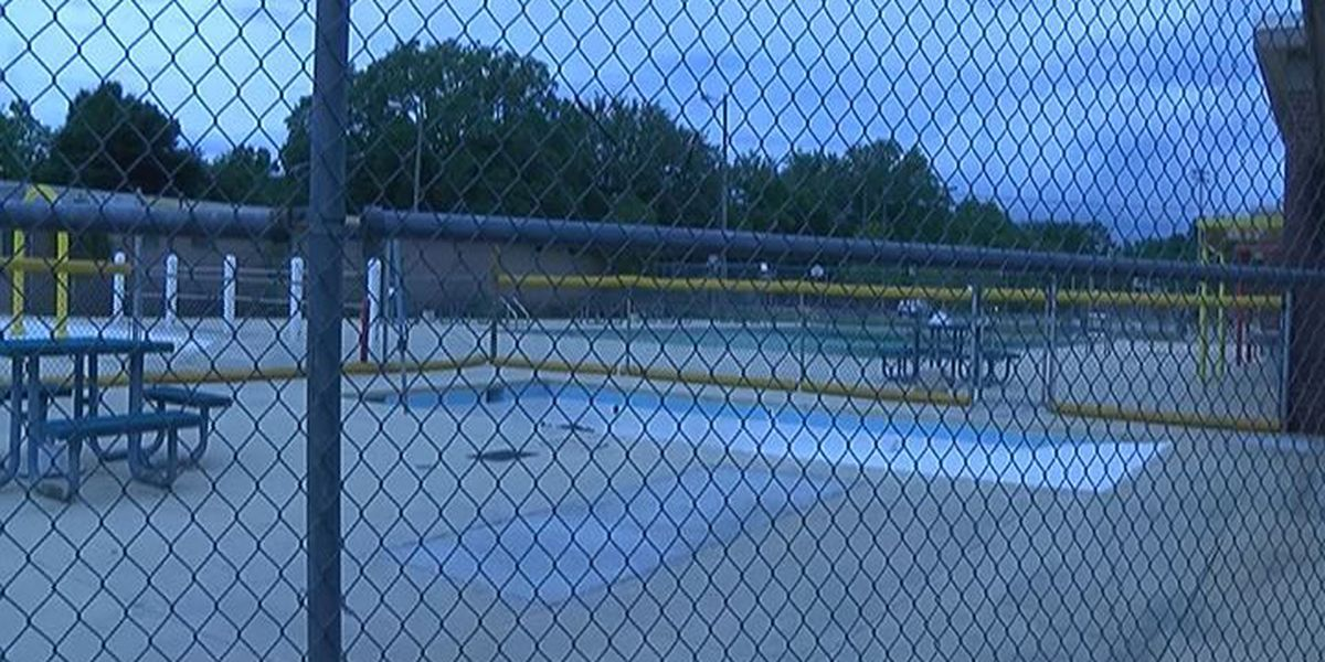 Albany city pool closed due to plumbing problems