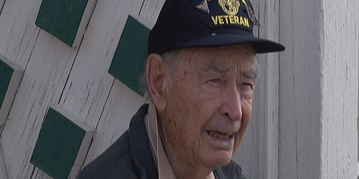 Douglas welcomes back special WWII vets