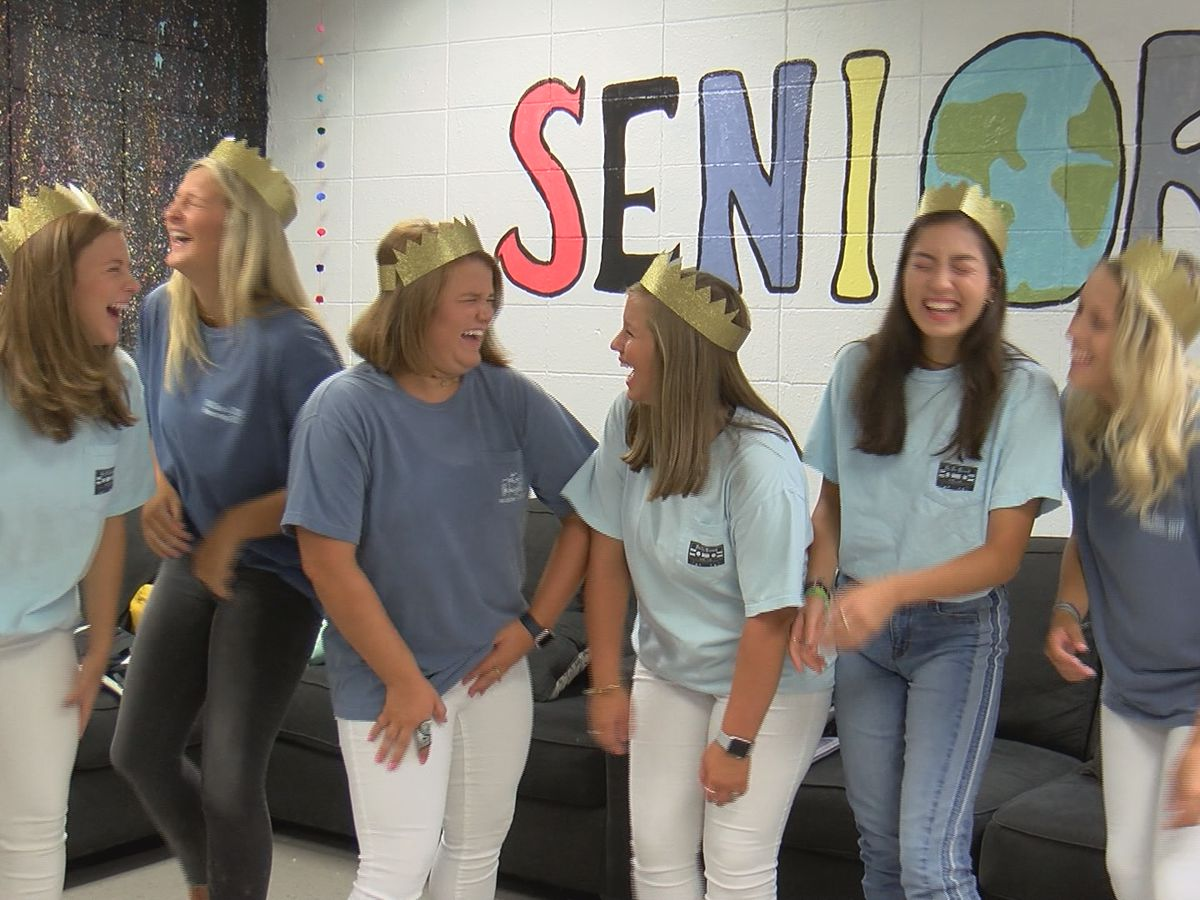 Albany seniors share advice as nervous freshman start their first day of high school