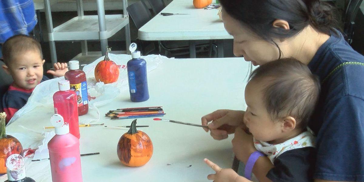 Flint RiverQuarium hosts pumpkin painting event