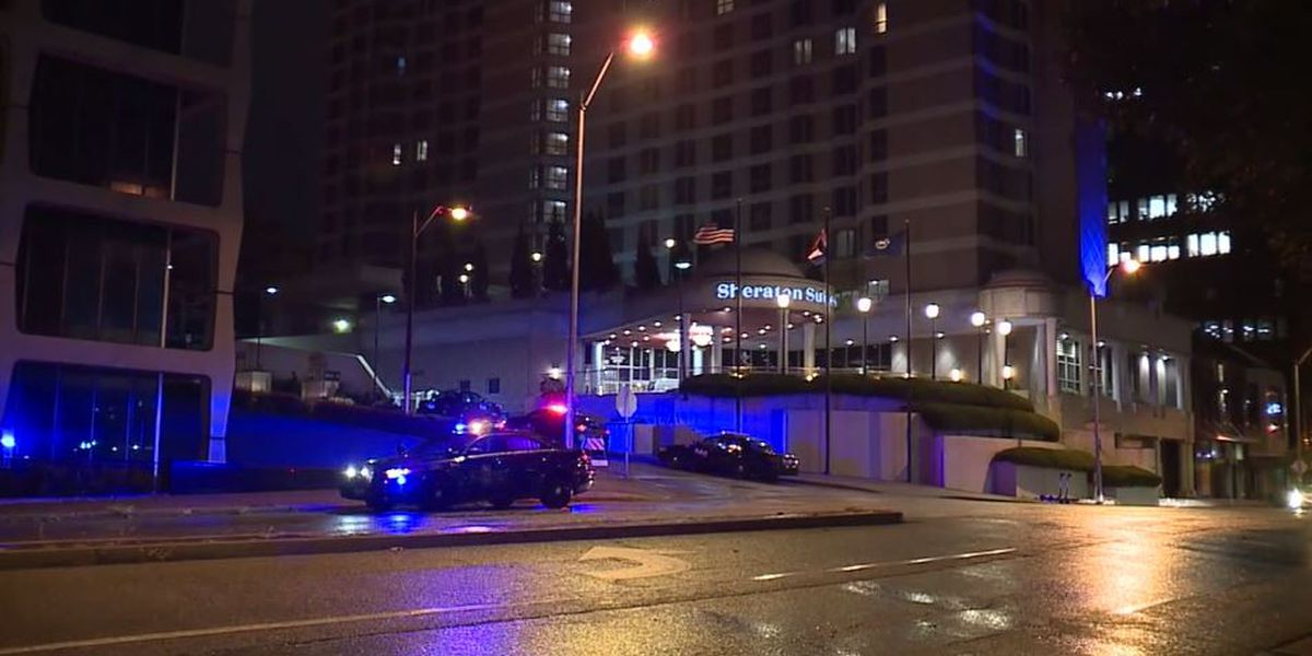 4 teenagers shot after fight breaks out in Missouri hotel room